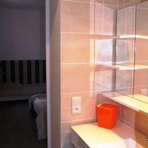 Salle de bain chambre triple à Sathonay Camp 69 près de Lyon